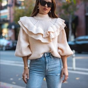 HM Ruffle Mock Turtleneck Sweater Small Bloggers